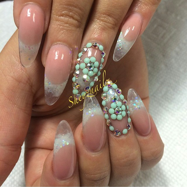 Beautiful set by @shayznailz_gallery follow her for awesome nails design #follow #nailtechlove