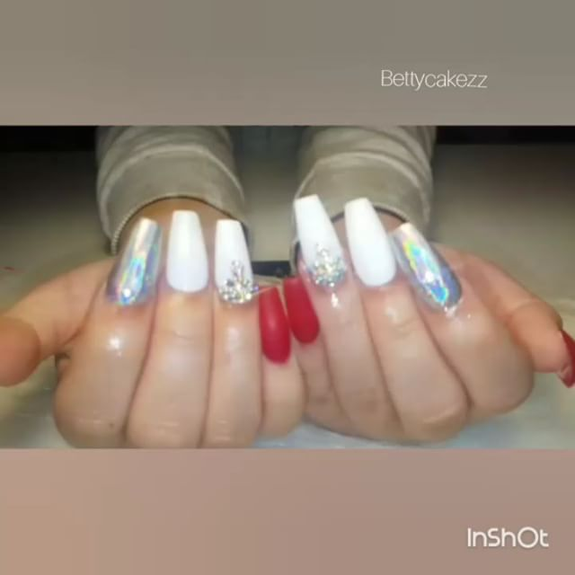Happy Friday!!!#holographicnails